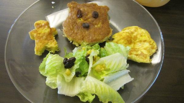 早餐類三號--人形鮪魚玉米蛋+小熊維尼鮪魚玉米蛋++雲朵蛋+生菜沙拉.jpg