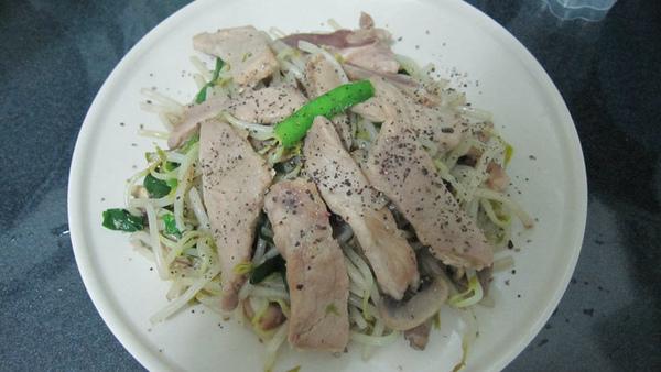 配菜類十九號--黑胡椒豬肉銀芽.jpg