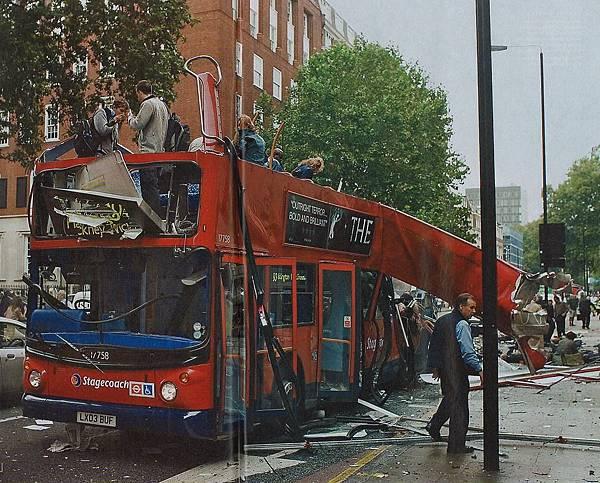倫敦巴士爆炸案.jpg
