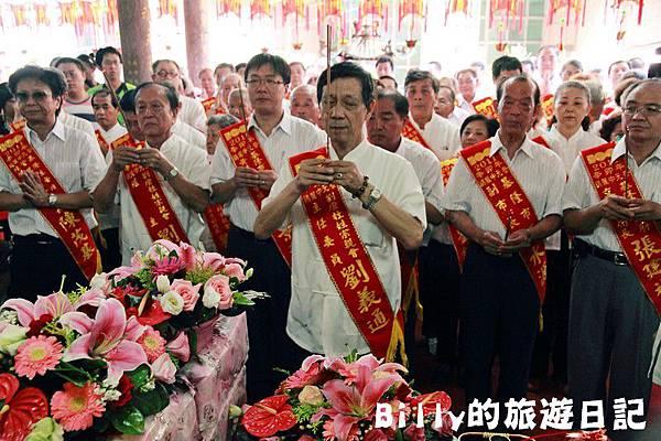 2011基隆中元祭-老大公廟開龕門010.JPG