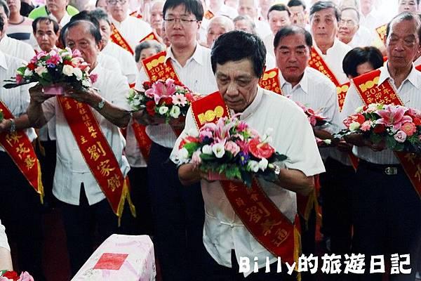 2011基隆中元祭-老大公廟開龕門012.JPG