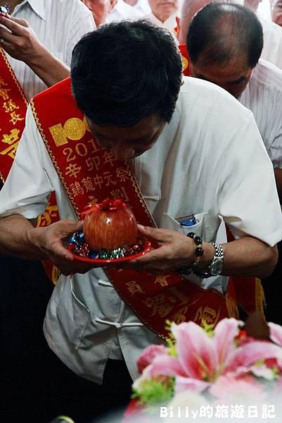 2011基隆中元祭-老大公廟開龕門013.JPG