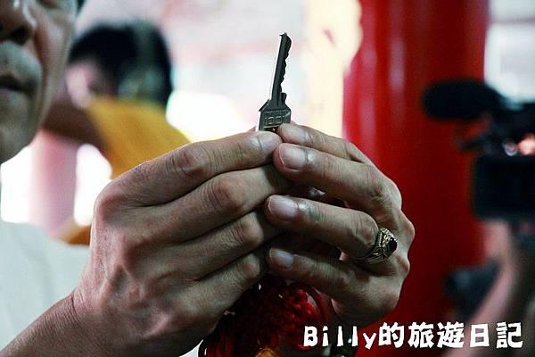 2011基隆中元祭-老大公廟開龕門035.JPG