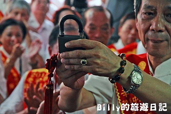 2011基隆中元祭-老大公廟開龕門039.JPG