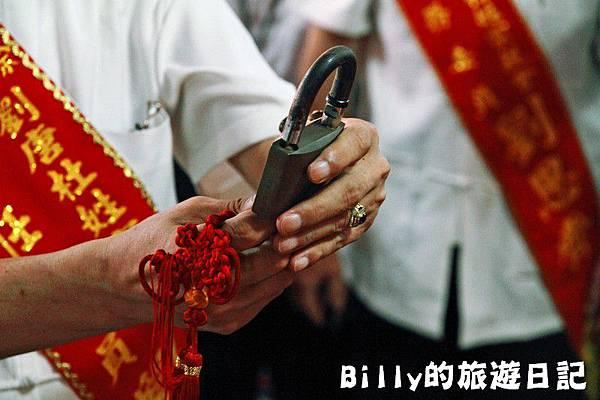 2011基隆中元祭-老大公廟開龕門040.JPG