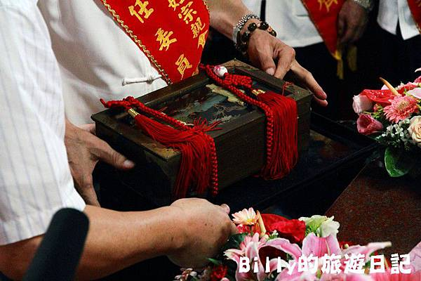 2011基隆中元祭-老大公廟開龕門043.JPG
