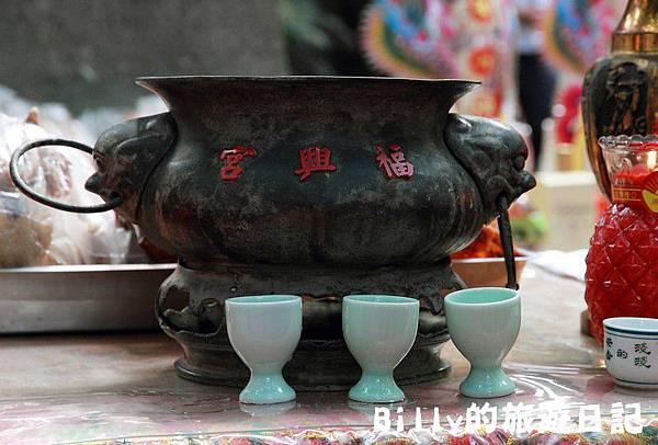 2011基隆中元祭-異國靈情法國公墓祭祀049.JPG