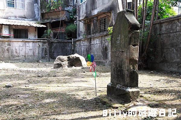 2011基隆中元祭-異國靈情法國公墓祭祀056.JPG