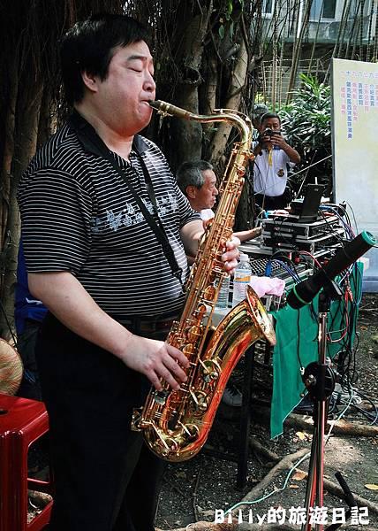 2011基隆中元祭-異國靈情法國公墓祭祀059.JPG