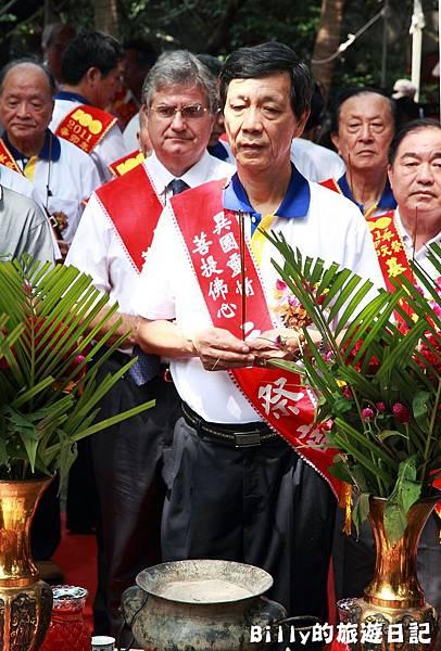 2011基隆中元祭-異國靈情法國公墓祭祀068.JPG