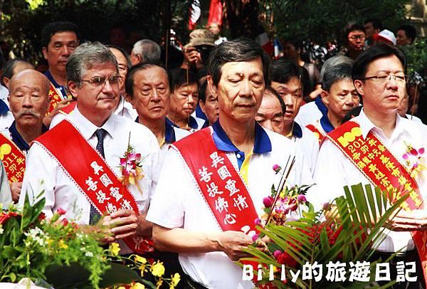 2011基隆中元祭-異國靈情法國公墓祭祀069.JPG