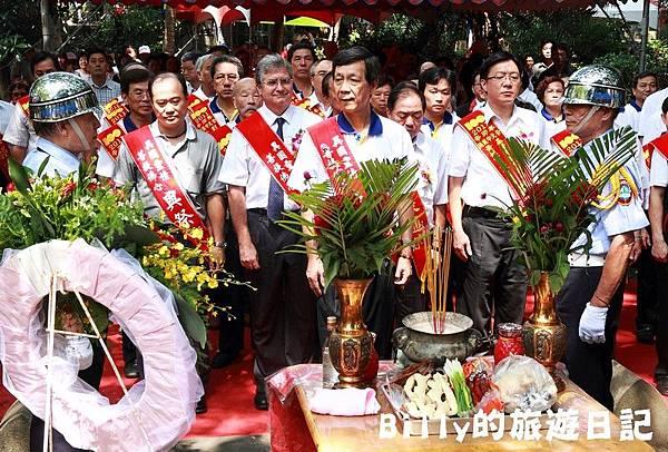 2011基隆中元祭-異國靈情法國公墓祭祀072.JPG