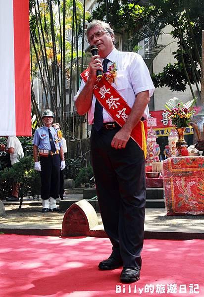 2011基隆中元祭-異國靈情法國公墓祭祀081.JPG