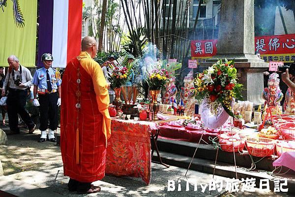 2011基隆中元祭-異國靈情法國公墓祭祀082.JPG