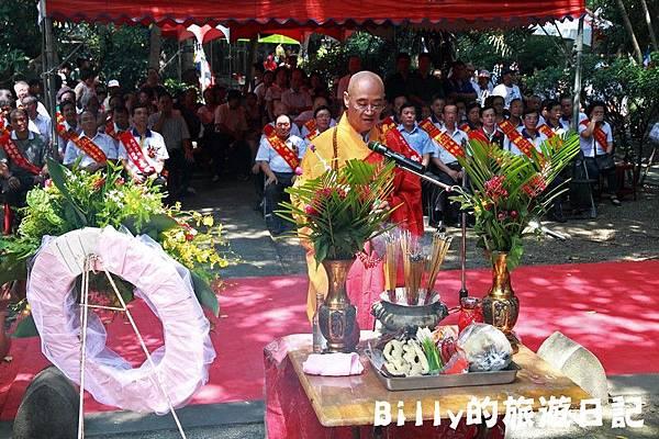 2011基隆中元祭-異國靈情法國公墓祭祀083.JPG