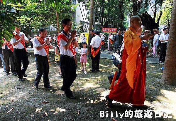 2011基隆中元祭-異國靈情法國公墓祭祀091.JPG