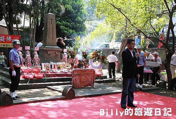 2011基隆中元祭-異國靈情法國公墓祭祀102.JPG