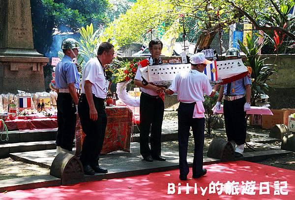 2011基隆中元祭-異國靈情法國公墓祭祀104.JPG