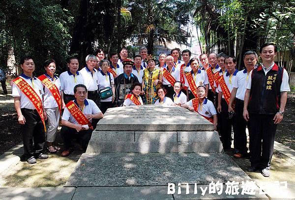 2011基隆中元祭-異國靈情法國公墓祭祀113.JPG
