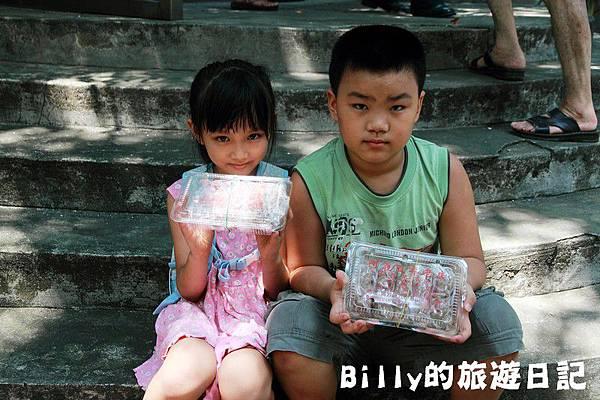 2011基隆中元祭-異國靈情法國公墓祭祀116.JPG
