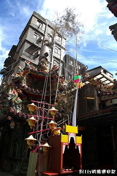 2010基隆中元祭豎燈篙005.jpg