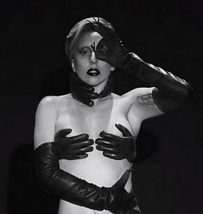 lady-gaga-applause-music-video-11