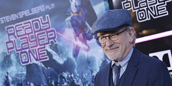 180401-steven-spielberg-ready-player-one-730p_e84fc80a161964e65883ed7899bfa879.focal-760x380.jpg