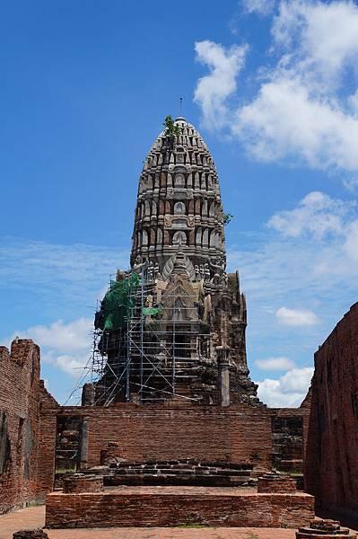 拉嘉布拉那寺的雄偉主塔