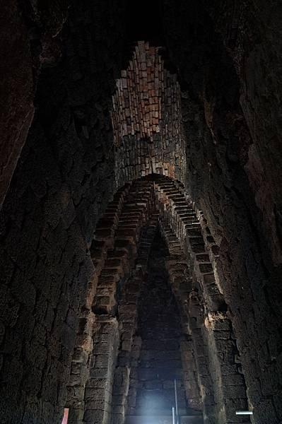主塔內部的拱頂空間