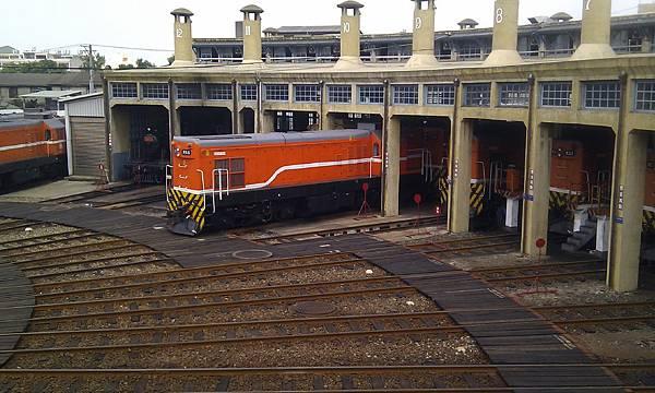 彰化扇形車庫,12號庫房內有一輛蒸汽火車頭