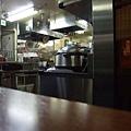 明亮清潔的廚房