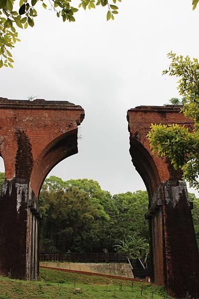紅磚拱門斷面之思古幽情