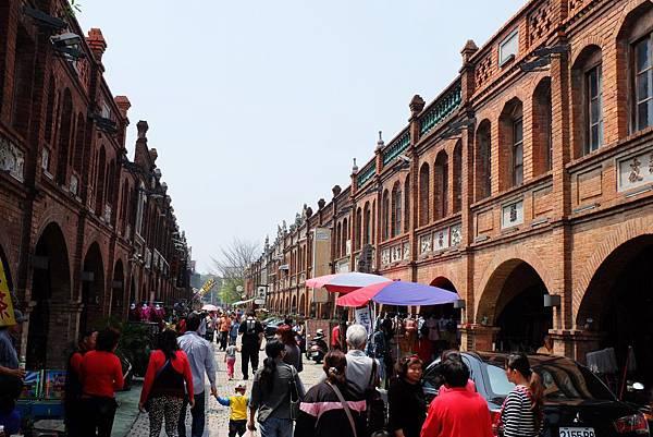 洋溢紅磚風味的湖口老街