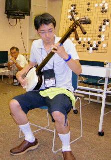 中野泰宏:我還是去拉三味線好了