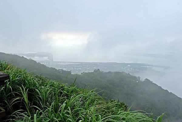 硬漢嶺望北左邊可見台北港