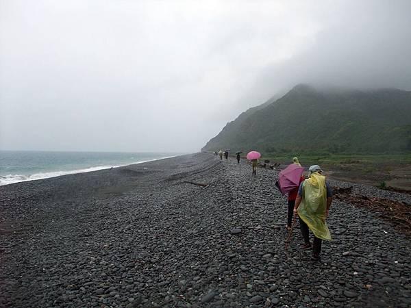 雨中的阿朗壹古道