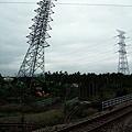 傾斜高塔,歪曲鐵軌