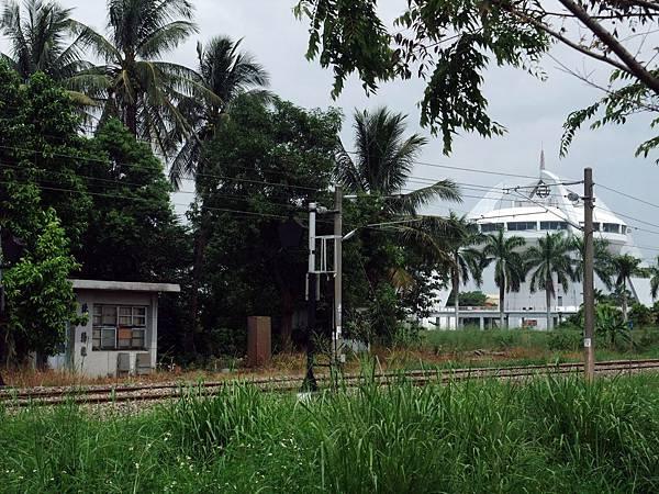 北回歸線車站與太陽館