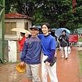 老大(左)與元玠(右)2006年合影