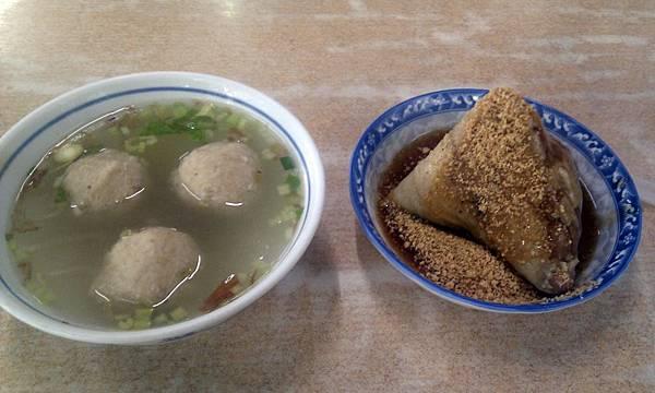 錦記肉圓的肉粽和貢丸湯