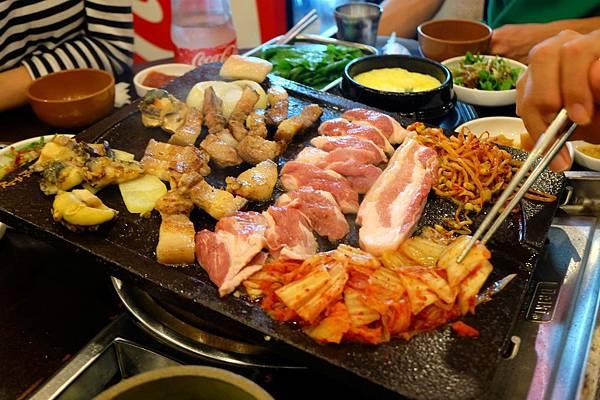 濟州島美食「豚香氣烤黑豬肉」