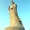 仰望媽祖巨神像