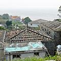 傳統壓瓦石屋頂