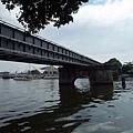 景觀6:橫跨愛河畔的鐵橋