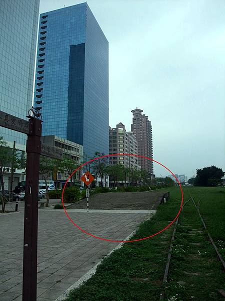景觀7:苓雅寮車場的月台遺跡