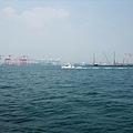 高雄第二港口,右邊為紅毛港區