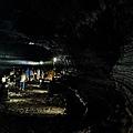 窟壁上的熔岩流線