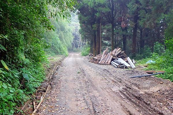沿途舊鐵道已被拆除