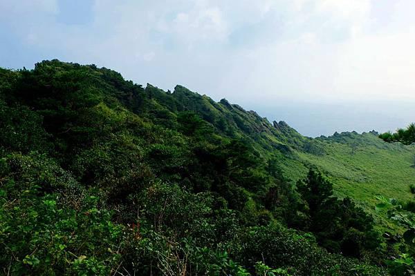 火山口北側