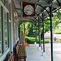 月台上的古董時鐘